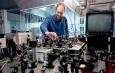 رسیدن به سرعت ۲۴۰ گیگابیت بر ثانیه در فیبر نوری با لیزر اسپین