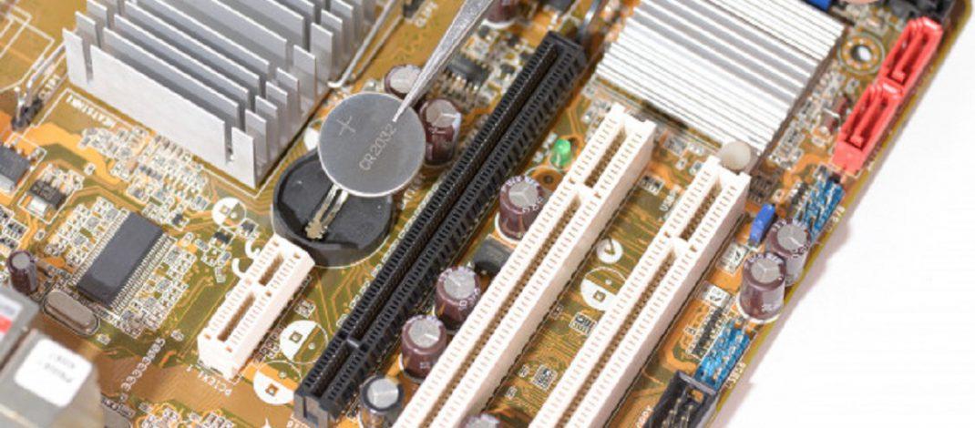 دلیل مجهز بودن مادربورد کامپیوترها به باتری