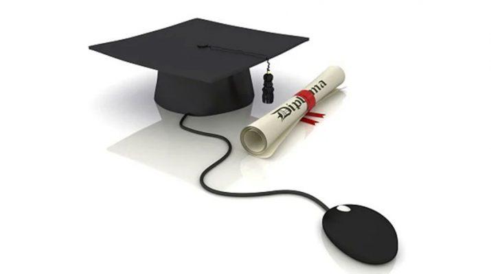 وزیر ارتباطات: مدرک تحصیلی مردم منتشر میشود تا کسی خود را دکتر یا مهندس جا نزند