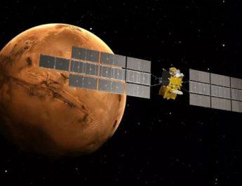 ايرباس فضاپيما توسعه مي دهد